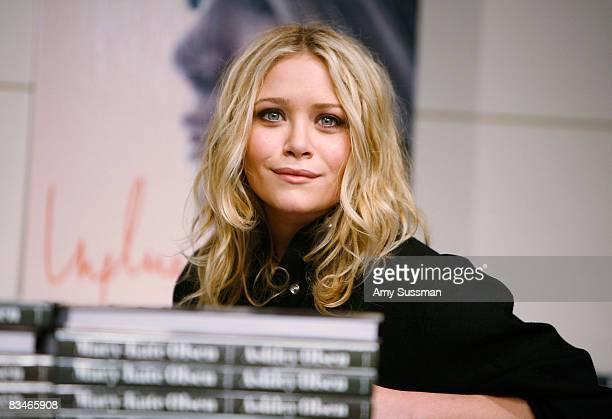 "Mary-Kate Olsen attends a book signing of ""Influence"" at Barnes & Noble at Union Square on October 28, 2008 in New York City."
