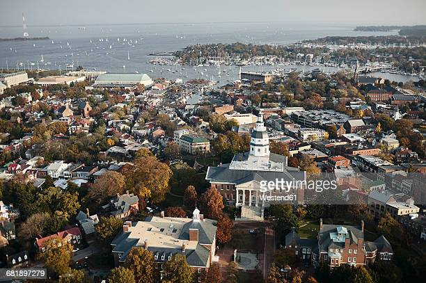 usa, maryland, aerial photograph of the state house and capital in annapolis - maryland us state stock pictures, royalty-free photos & images