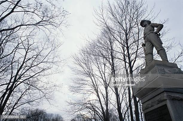 usa, maryland, antietam national battlefield, monument, low angle view - antietam national battlefield stock photos and pictures