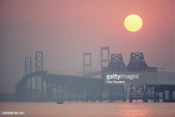usa, maryland, chesapeake bay bridge near annapolis, sunset - chesapeake bay bridge stock pictures, royalty-free photos & images