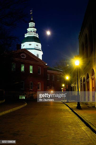 maryland state capitol at night - maryland us state stock pictures, royalty-free photos & images