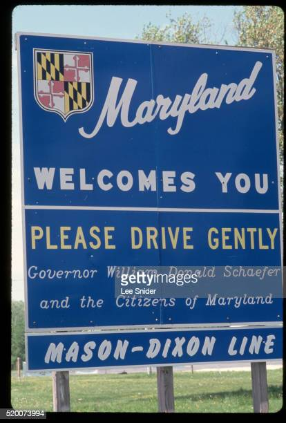 maryland state line sign - maryland us state stock pictures, royalty-free photos & images