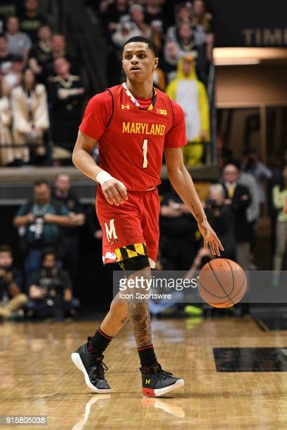 Maryland Terrapins guard Anthony Cowan Jr brings the ball up the court during the Big Ten Conference college basketball game between the Maryland...