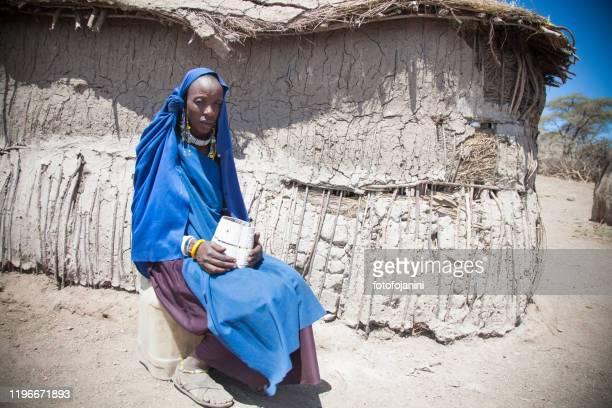 masai woman portrait - fotofojanini foto e immagini stock