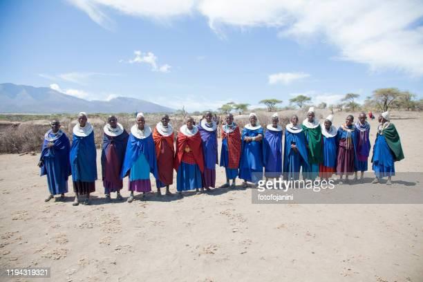 masai women out their village tanzania - fotofojanini foto e immagini stock
