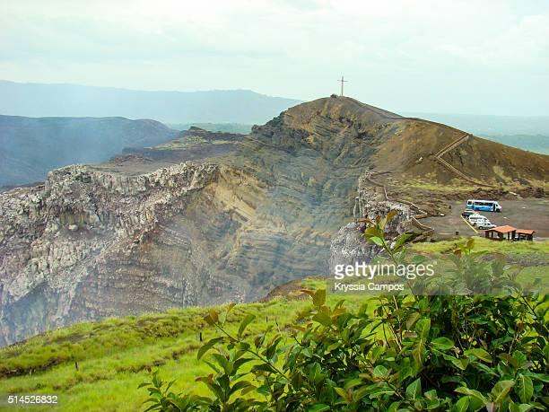 masaya volcano national park. - flanco de valle fotografías e imágenes de stock