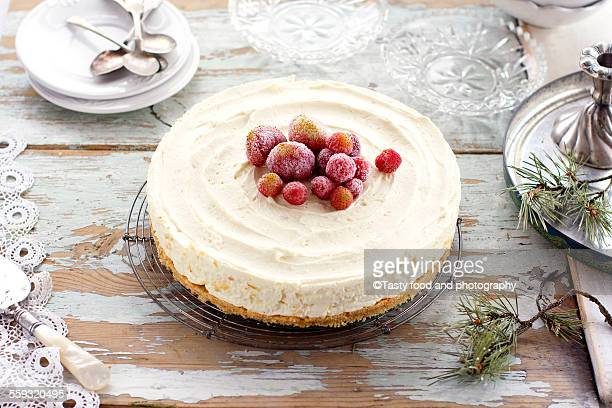 mascarpone and white chocolate not baked cake - christmas cake stock photos and pictures