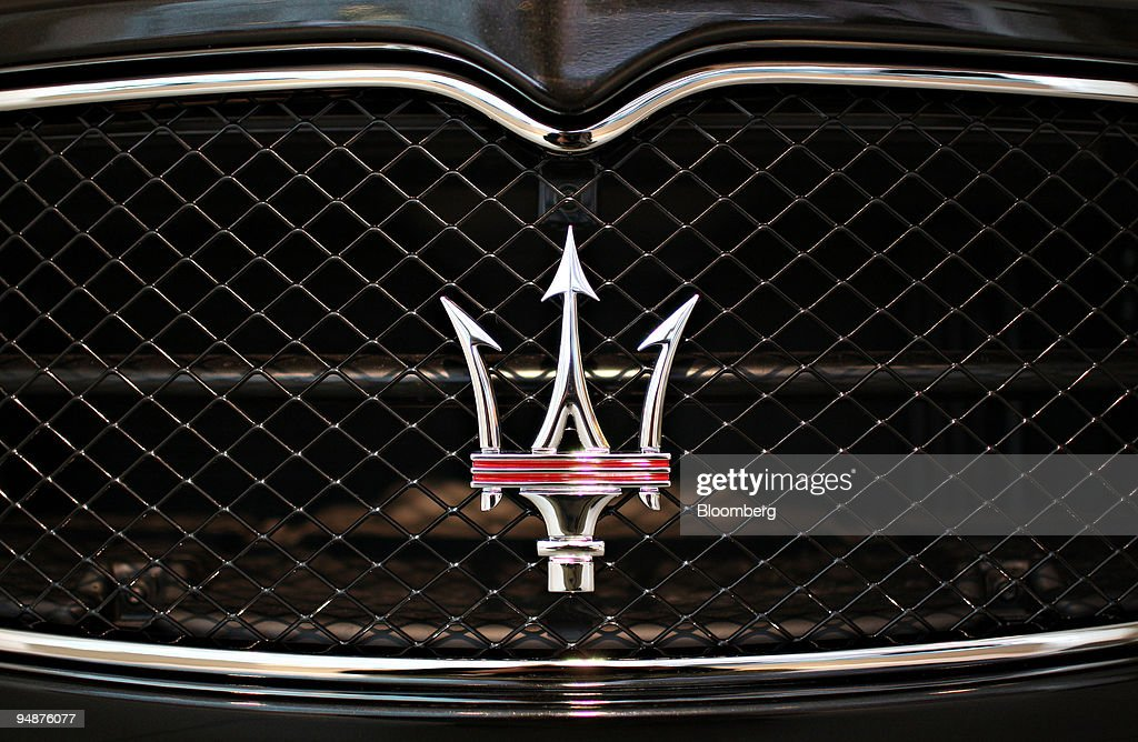 A Maserati logo appears on the front grille of a 2009 GranTu : News Photo