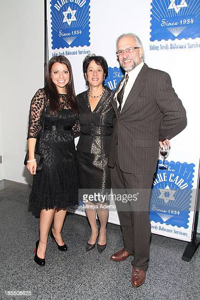 Masha Pearl Sherry Wilzig Izak and Matthew Shubitz attend the 79th annual Blue Card Benefit and Auction at the American Museum of Natural History on...
