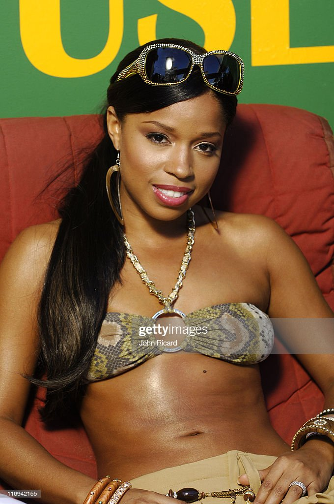 "Mashonda on Location for ""Black Out"" Music Video - May 31, 2005"