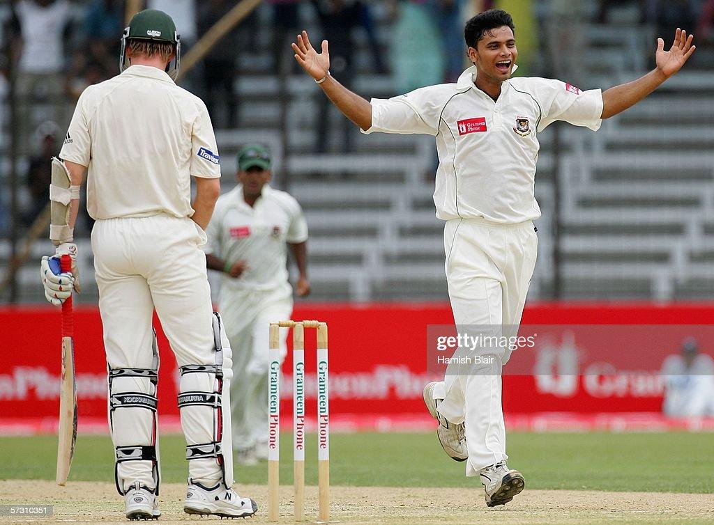 1st Test - Bangladesh v Australia: Day 3 : News Photo