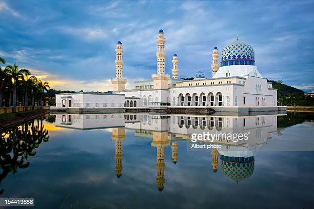 masjid bandaraya kota kinabalu - kota kinabalu stock pictures, royalty-free photos & images