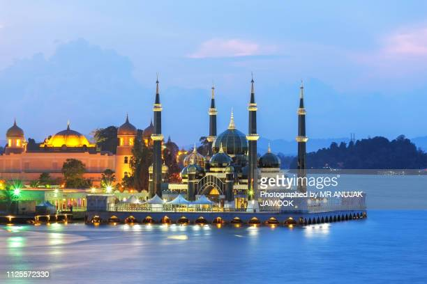 masjid kristal in kuala terengganu, malaysia - floating mosque stock pictures, royalty-free photos & images