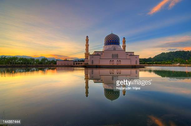 masjid likas - kota kinabalu stock pictures, royalty-free photos & images