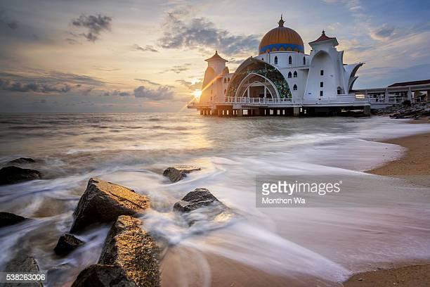 Masjid Selat Melaka , Malaysia