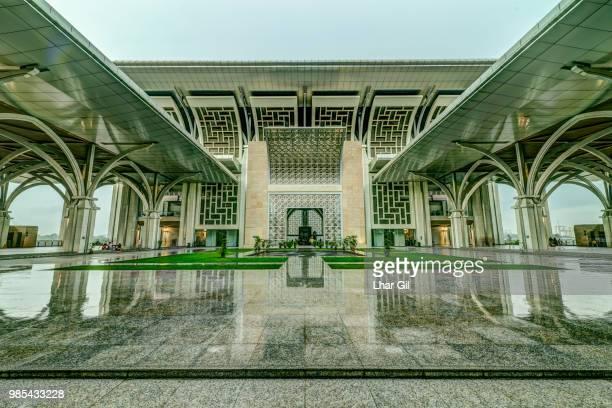 masjid tuanku mizan zainal abidin - lhar gil stock pictures, royalty-free photos & images