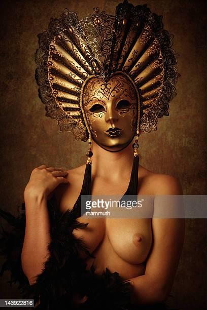 Mascherato nude donna