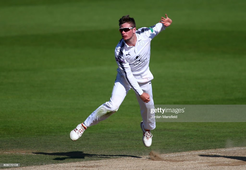 Surrey v Hampshire - Specsavers County Championship: Division One : Nachrichtenfoto