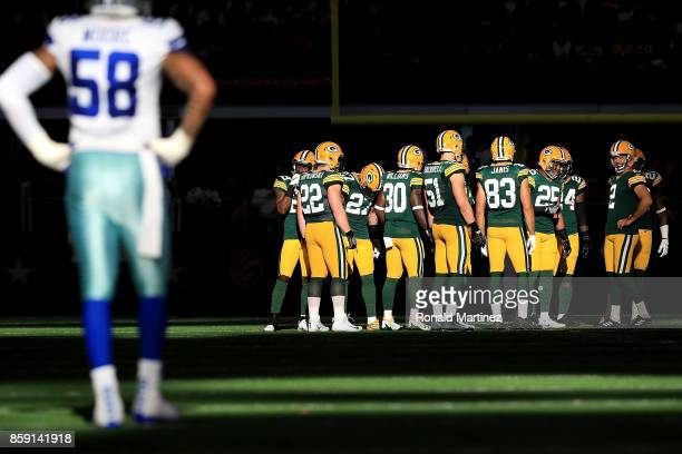 Mason Crosby of the Green Bay Packers prepares to kick off to the Dallas Cowboys in the fourth quarter at ATT Stadium on October 8 2017 in Arlington...