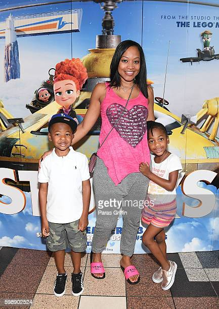 Mason Evan Smith Monyetta Shaw and Madeline Grace Smith attend the 'Storks' private screening hosted by The Ludacris Foundation Unspoken Angels at...