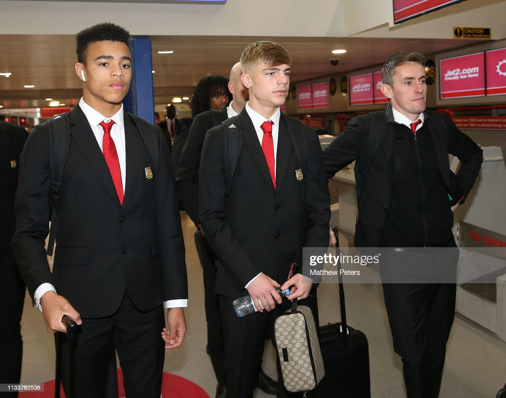 Manchester United Travel to Paris for Their Champions League Tie : News Photo