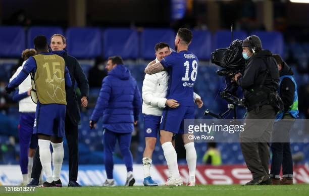 Mason Mount and Olivier Giroud of Chelsea celebrate victory during the UEFA Champions League Semi Final Second Leg match between Chelsea and Real...