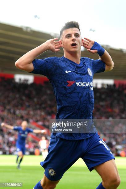 Mason Mount of Chelsea celebrates scoring his teams second goal during the Premier League match between Southampton FC and Chelsea FC at St Mary's...