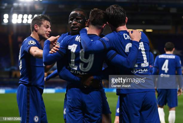 Mason Mount of Chelsea celebrates with teammates Cesar Azpilicueta, Antonio Ruediger and Ben Chilwell after scoring their team's second goal during...