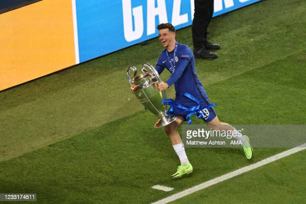 Mason Mount of Chelsea celebrates with the UEFA Champions League trophy during the UEFA Champions League Final between Manchester City and Chelsea FC...