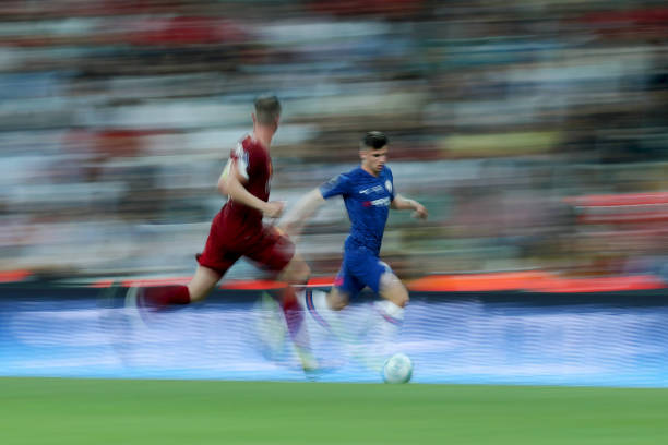 SUPER COUPE EUROPE UEFA 2019 Mason-mount-of-chelsea-runs-with-the-ball-during-the-uefa-super-cup-picture-id1168054229?k=6&m=1168054229&s=612x612&w=0&h=thsPs7kew9KfIlyXQq320XTAOr5CvREzauq69Zac06w=