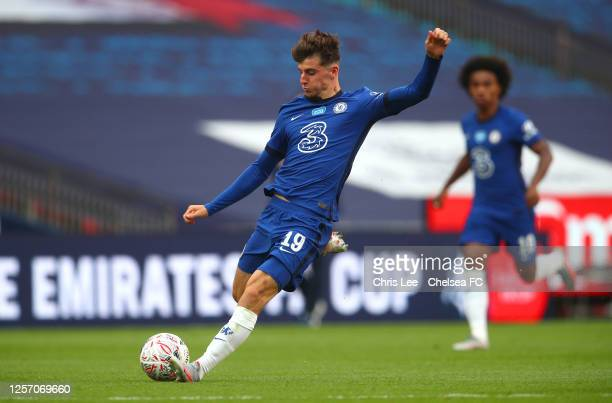 Mason Mount of Chelsea scores his sides second goal during the FA Cup Semi Final match between Manchester United and Chelsea at Wembley Stadium on...