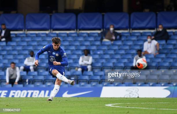 Mason Mount of Chelsea scores his team's first goal during the Premier League match between Chelsea FC and Wolverhampton Wanderers at Stamford Bridge...