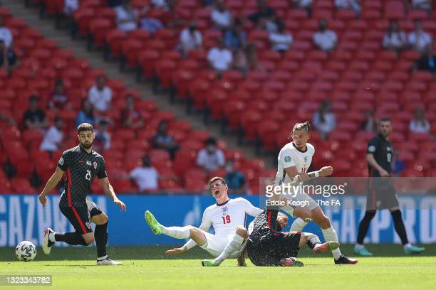 Mason Mount of England is challenged by Mateo Kovacic of Croatia during the UEFA Euro 2020 Championship Group D match between England and Croatia at...