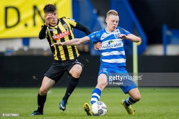 Mason Mount of Vitesse Rick Dekker of PEC Zwolle during the Dutch Eredivisie match between Vitesse Arnhem and PEC Zwolle at Gelredome on November 05...