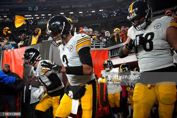 Mason Rudolph of the Pittsburgh Steelers runs out on to the field prior to the start of the game against the Cleveland Browns at FirstEnergy Stadium...