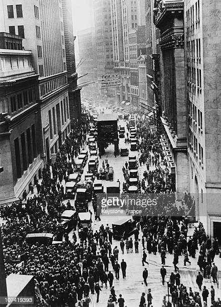 Mass At Wall Street Area Krach Crisis And Recession At New York In Usa On 1929