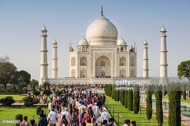 Tourisme de masse spacieux Taj Mahal en Inde