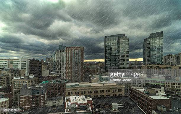 usa, massachusetts, boston, downtown district on rainy day - 集中豪雨 ストックフォトと画像
