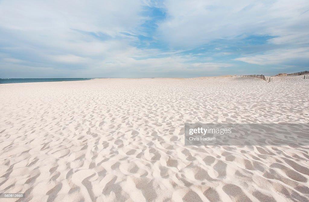 USA, Massachusetts, Chatham, Lighthouse Beach, Footprints on beach : Foto de stock