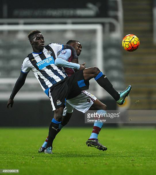 Massadio Haidara of Newcastle controls the ball whilst being challenged by Rushian HepburnMurphy of Aston villa during The Barclays Under 21 Premier...