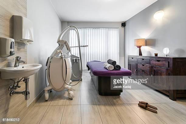 massage room interior - massage room photos et images de collection