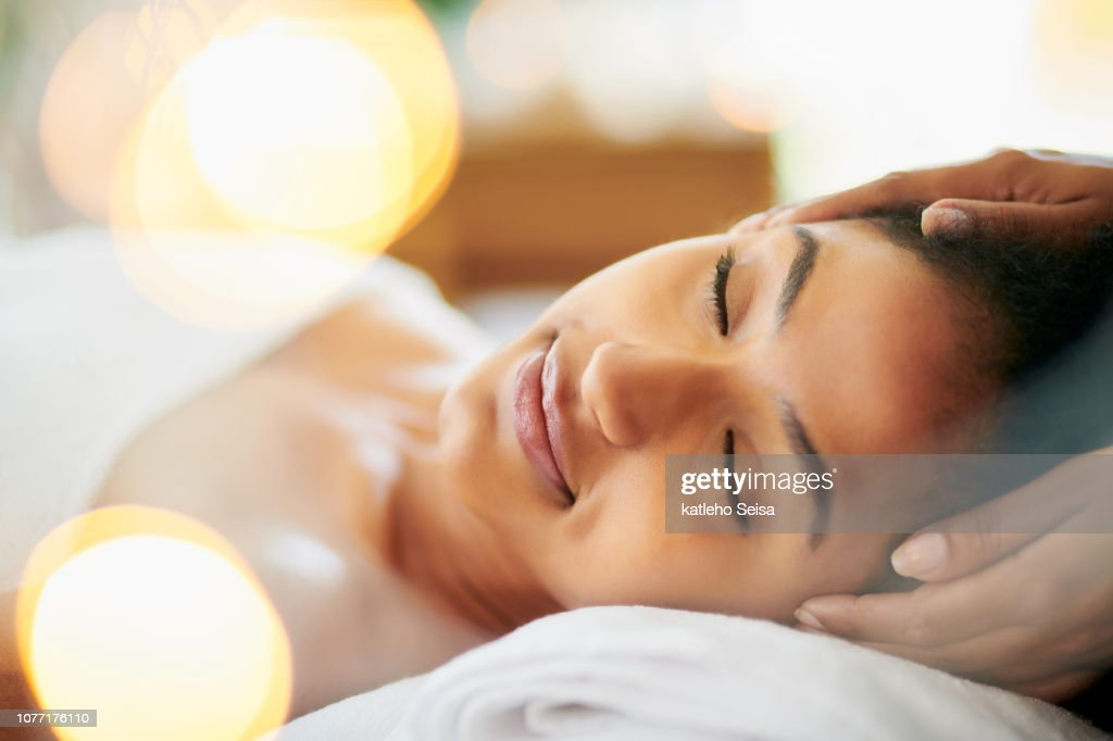 Massage your way to a relaxing day : Stock Photo