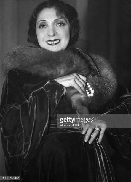 Massary Fritzi*21031882Sängerin Schauspielerin Österreich Porträt in der Titelrolle der Operette Eine Frau die weiss was sie will im MetropolTheater...