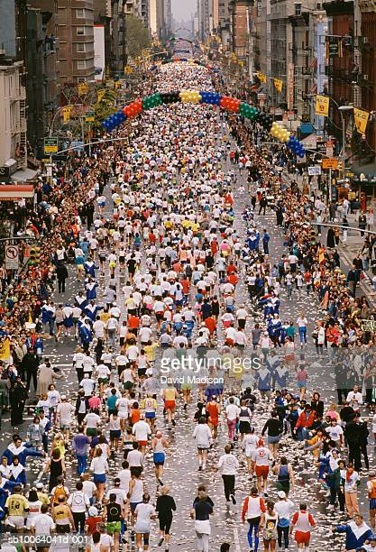 Masses of runners on First Avenue in New York City Marathon