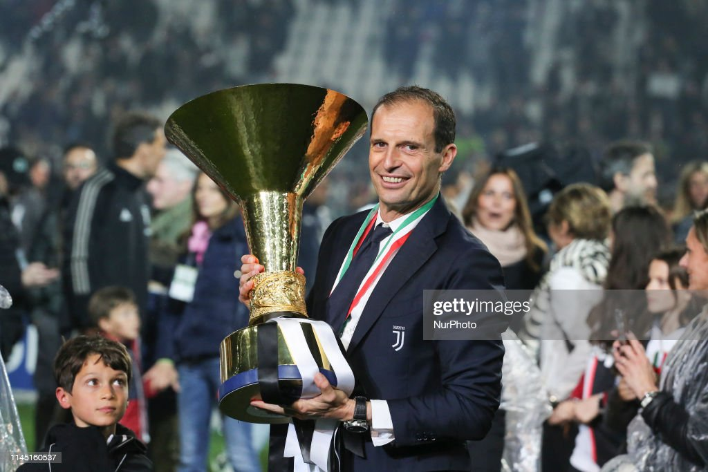 Juventus FC Players Lifts The Trophy Of Scudetto 2018-2019 : News Photo