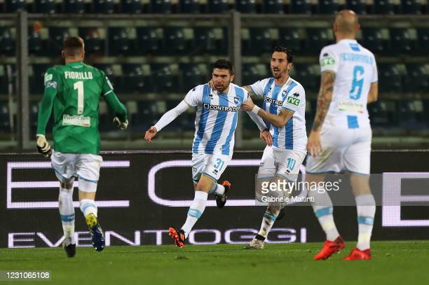 Massimiliano Busellato of Pescara Calcio celebrates after scoring a goal during the Serie B match between Empoli FC and Pescara Calcio at Stadio...
