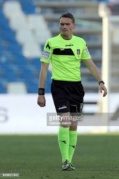Massimiliano Irrati referee during the serie A match between US Sassuolo and ACF Fiorentina at Mapei Stadium Citta' del Tricolore on April 21 2018 in...