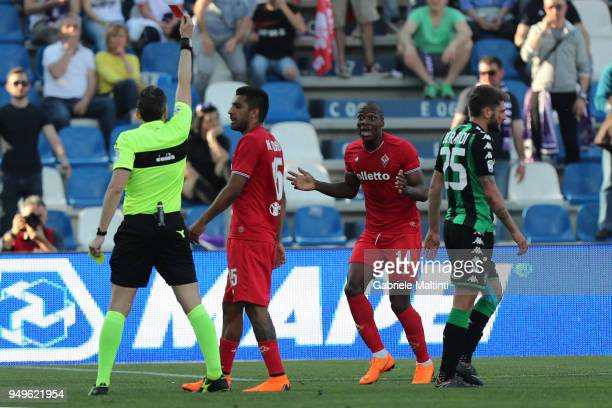 Massimiliano Irrati referee shows the red card to Bryan Dabo of ACF Fiorentina during the serie A match between US Sassuolo and ACF Fiorentina at...
