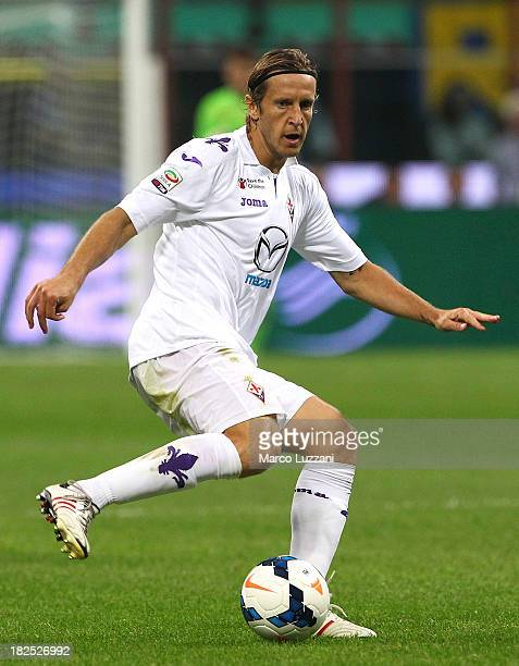 Massimo Ambrosini of ACF Fiorentina in action during the Serie A match between FC Internazionale Milano and ACF Fiorentina at Giuseppe Meazza Stadium...
