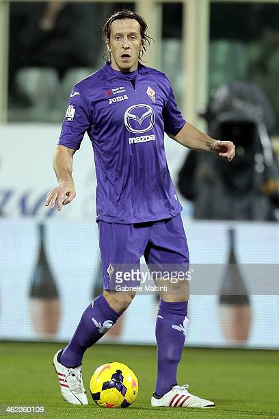 Massimo Amnbrosini of ACF Fiorentina in action during the TIM Cup match between ACF Fiorentina and AC Chievo Verona at Artemio Franchi on January 8...